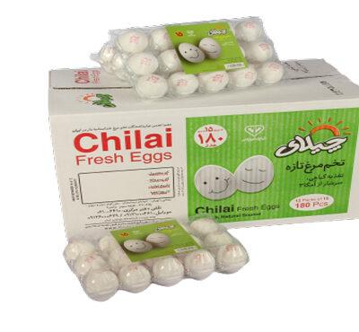 تخم مرغ بسته بندی 15 عددی چیلای سفید حداقل سفارش : ۱۰۰ کارتن 🔴وکیوم 15عددی سفید :هر کارتن ، دو بسته ۶ عددی سفید اشانتیون دارد. 🔴هر کارتن شامل 12 بسته تخم مرغ 15 عددی می باشد.