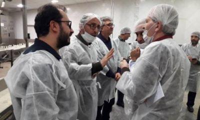 بازدید رئیس دامپزشکی از نخستین مجموعه تولیدکننده تخم مرغ پاستوریزه
